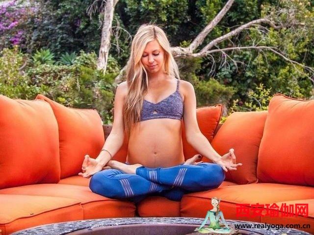 孕妇适合做哪些瑜伽动作?做这4种姿势就对了